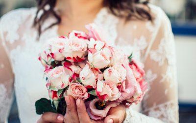 5 paprastos gudrybės ir gėlių puokštės žydės ilgiau