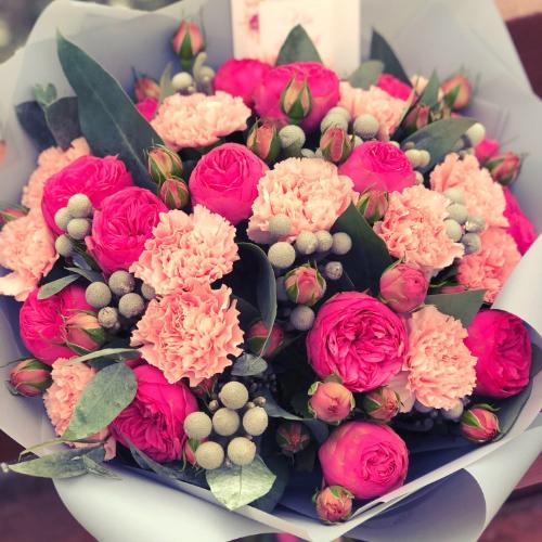 Kaip parduotuvėje per 5 min. išsirinkti šviežią gėlių puokštę